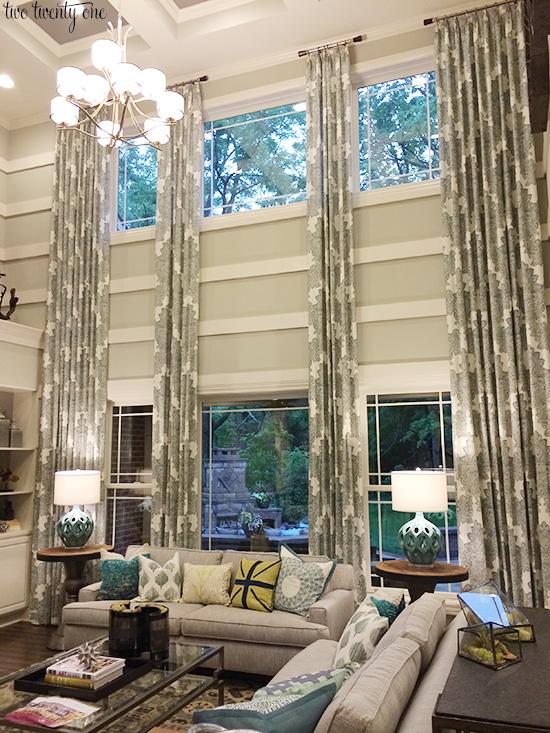 Living Room Windows Design: Design Sewlutions Of Salmon Arm