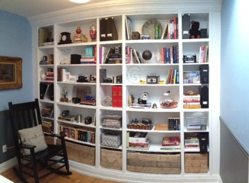 Storefront-Life-Visit-Billy-Bookcase-Hack-via-smallspaces.about.com-56e997533df78cb4b97b853e